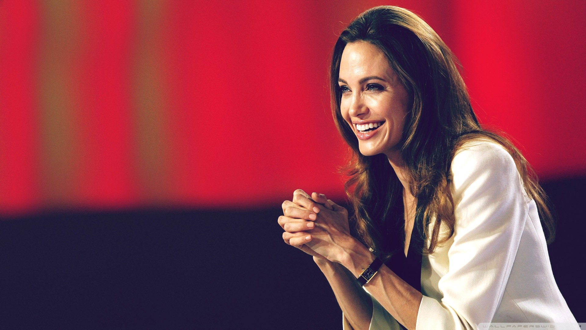 Angelina Jolie Wanted Wallpaper